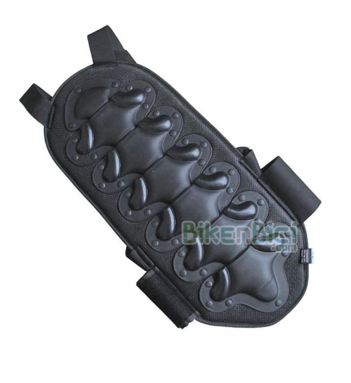 Protección espalda Trial 123BnB Biketrial - Espaldera 123BnB protectora de vértebras. Fabricada en plástico, fibra y polipropileno. Protección externa con estructura antishock, con articulación lumbar para una mayor adaptabilidad. Protección homologada CE. Cuatro tallas disponibles.