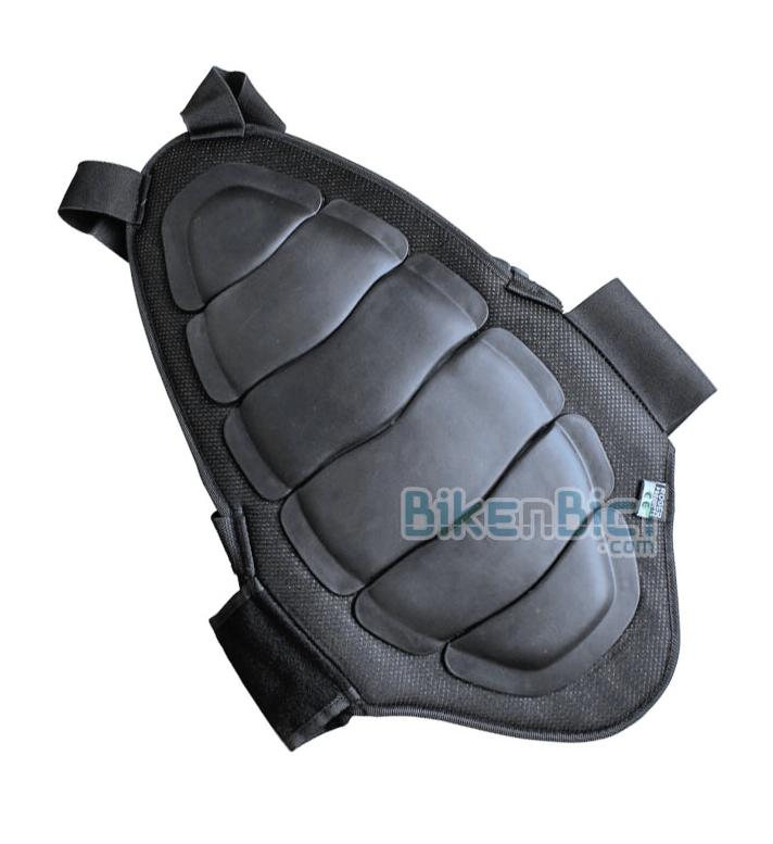 Protección espalda Trial 113BnB Biketrial - Espaldera 113BnB protectora de vértebras. Fabricada en plástico, fibra y polipropileno. Protección externa con estructura antishock, con articulación lumbar para una mayor adaptabilidad. Protección homologada CE.