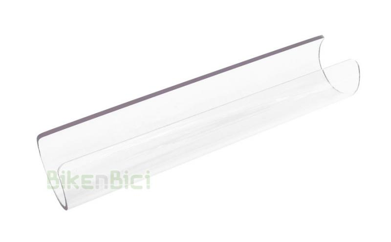 Protector chasis Trial BIKENBICI POLICARBONATO TRANSPARENTE Biketrial - Protector de chasis de la marca Bikenbici para barra principal inferior del chasis. Fabricado en policarbonato de 2mm de grosor. 20cm de largo. Muy resistente a los impactos. Tubo de 40mm de diámetro interior. Compatible con chasis de tubo redondo/ovalado gracias a su relativa flexibilidad. Acabado transparente y cantos redondeados. 49 gramos de peso.
