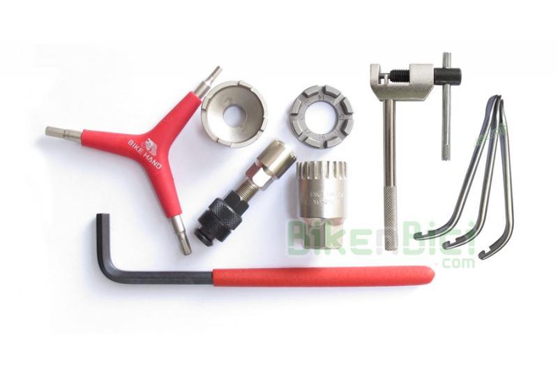 Herramientas Trial KIT HERRAMIENTAS 1 Biketrial - Kit completo de herramientas y extractores para el desmontaje y reparación de todas las piezas de la bicicleta de Biketrial y Trial. Incluye los extractores de piñones, pedalier y bielas, además de las principales llaves para el mantenimiento de la bicicleta.