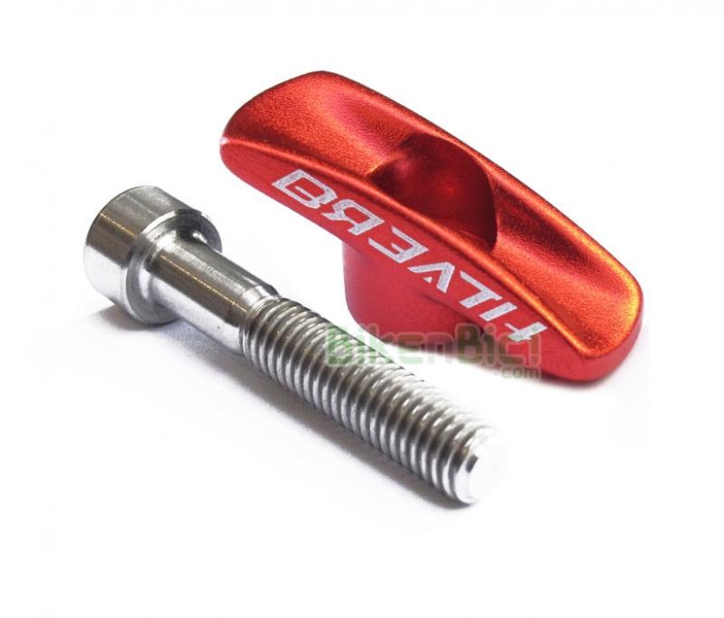 Potencias Trial TAPÓN POTENCIA BREATH + TORNILLO TITANIO Biketrial aluminio rojo - Tapón de potencia de la marca Breath. Compatible con la mayoría de potencias inclinadas del mercado. Incluye tornillo de titanio de M6x35. Totalmente mecanizado en aluminio 6061 CNC. Color negro. Logotipos Breath a ambos lados del tapón. Peso 10.6 gramos (tapón + tornillo).