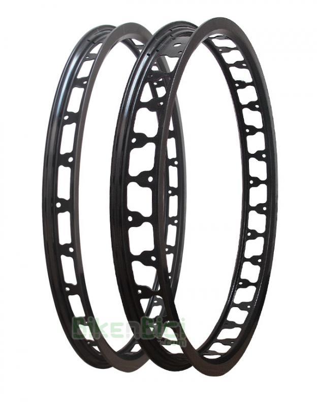 Llantas Trial CLEAN V2 20 PULGADAS Biketrial conjunto negra - Conjuntos de llantas para Trial y Biketrial de la marca Clean. Aluminio especial para la mejor frenada en sistemas de llanta tipo HS33. Versión aligerada. Conjunto para bicicletas de 20 pulgadas. Anodizadas en negro. 28 y 32 agujeros. 787 gramos el conjunto.
