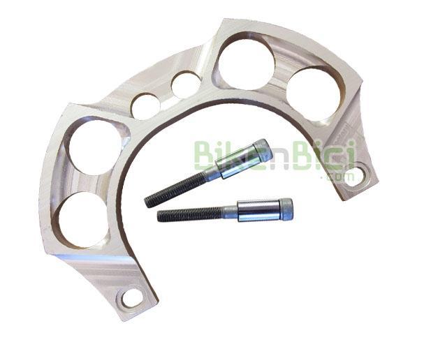 Frenos Trial GORILA CNC FACTORY 2 TORNILLOS Biketrial aluminio plata - Gorila potenciador de frenada de la marca CNC Factory para bicicletas de Trial y Biketrial que usan sistema de freno hidráulico de llanta, tipo Magura HS33. Fabricado en aluminio 7075-T6, se caracteriza por anclarse a los 2 tornillos superiores del freno. Compatible con ruedas de 19