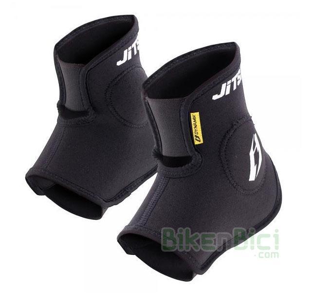 Tobilleras Trial JITSIE DYNAMIK Biketrial  - Protecciones para tobillo de la marca Jitsie. Fabricadas en lycra y malla de alta calidad. Protección en la parte exterior e interior. Dos tallas disponibles (adulto e infantil). Protección de espuma en otras zonas. Protección diseñada para la mejor protección del tobillo. Protecciones desmontables para poder lavar. Logotipos Jitsie en blanco. Peso: (ver ficha de producto).