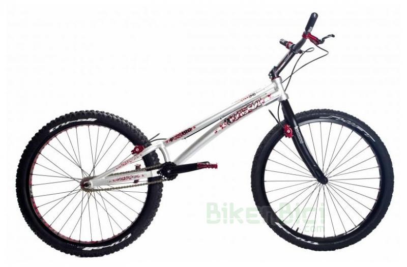 Bicicletas Trial KABRA F26 HID V2 ECO Biketrial freno de LLANTA - La bicicleta de Biketrial/Trial KABRA de 26 pulgadas frenos de llanta es una bicicleta que combina los mejores materiales de las mejores marcas y ajustando al máximo el precio para conseguir una bicicleta de altas prestaciones a un precio lógico. La Kabra F26  HID V2 se puede escoger con chasis en color negro o color plata.