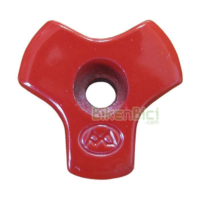 Potencias Trial MONTY TAPÓN POTENCIA Biketrial rojo - Tapón de potencia de la marca Monty para potencias inclinadas. Fabricada en aluminio 6061-T6 y una inclinación de 24 grados. Este tapón es compatible con todas las potencias con tapón inclinado. 9 gramos de peso