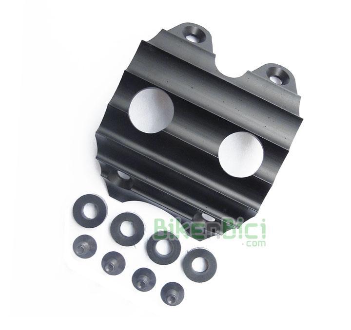 Protectores Trial PLAY KII Biketrial aluminio - Protector original Play, modelo KII, para los modelos de 20 pulgadas de la serie Play KII de 20 pulgadas. Incluye tornillería y gomas espaciadoras. Fabricado en aluminio y anodizado en color negro. Su peso es de XX gramos (tornillos y arandelas incluídos).