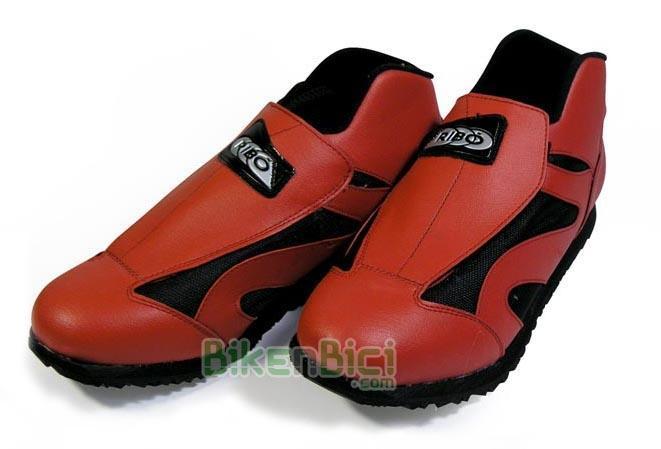 Zapatillas Biketrial Trial RIBÓ MTX rojo Biketrial Trial A PARTIR DEL Nº 31 - Zapatillas Ribó de altas prestaciones. El modelo básico de Ribó con las prestaciones de los modelos superiores. Personalizable y especialmente indicada para los más jóvenes. Modelo desde el número 31 al 48. Especialmente indicada para la práctica de Biketrial y Trial.