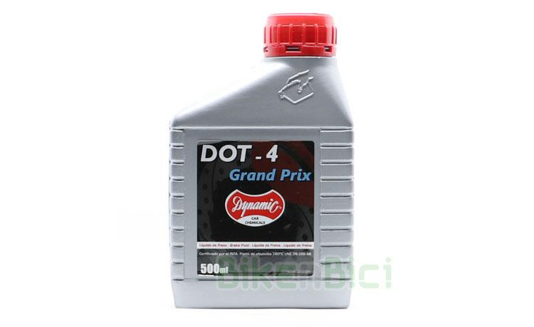 ACEITE SINTÉTICO FRENOS DOT4 DYNAMIC 500ml - Botella de aceite sintético DOT4 de la marca Dynamic, especialmente indicado para frenos de disco que usan aceite del tipo DOT4. Para sistemas de freno de bicicletas de Biketrial, Trial y Mountain Bike. Compatible con frenos de la marca Hope. Cumple con la normativa DOT-4 y UNE 26-109-88. Botella de 500ml.
