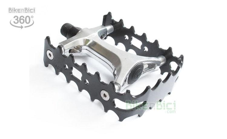 Pedales Trial BIKENBICI SIMPLE JAULA Biketrial aluminio negro - Pedales de simple jaula fabricados en aluminio de alta calidad. Eje del pedal fabricado en aleación de acero. Compatible con todas las bicicletas de trial del mercado. Rosca de 9/16