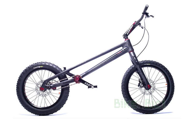 BICICLETA CLEAN K1.2 FIBRA DE CARBONO 20 PULGADAS - Bicicleta Clean K1.2 de 20 pulgadas para Trial y Biketrial. 100% fibra de carbono. Tensor de cadena integrado en el chasis, pedalier BB30 Pressfit, dirección Tapered 1,5