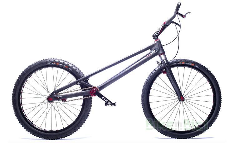 BICICLETA CLEAN K1.2 FIBRA DE CARBONO 26 PULGADAS - Bicicleta Clean K1.2 de 26 pulgadas para Trial y Biketrial. 100% fibra de carbono. Tensor de cadena integrado en el chasis, pedalier BB30 Pressfit, dirección Tapered 1,5