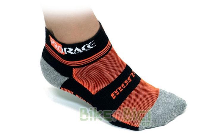 Calcetines Trial MONTY PRORACE Biketrial - Calcetines para Trial de la marca Monty, gama ProRace. Diseñados para un perfecto agarre al pie. Reforzados en la zona de la puntera y del talón para mayor durabilidad. Tejido Elastan para un perfecto acople al pie. Nuevos colores Monty. 3 tallas disponibles.