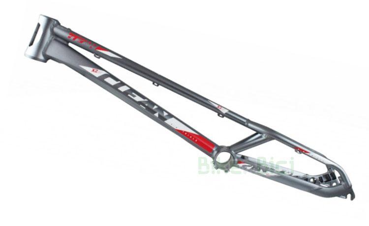 Chasis CLEAN X2 20 PULGADAS - Chasis de la marca Clean modelo X2 de 20 pulgadas. Fabricado en aluminio 6061-T6 y 7075-T6. Pipa de dirección Tapered 1,5