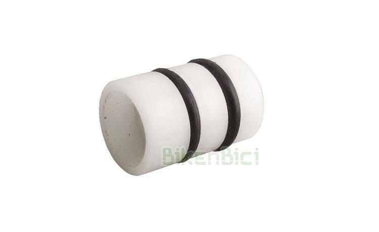 CLEAN PISTÓN BOMBA FRENO T13 - Pistón original CLEAN para todas bombas de freno de la marca. 13mm de diámetro. Mecanizado en plástico de alta calidad para un perfecto deslizamiento dentro del cuerpo de la bomba. Incluye dos retenes de goma de 9x2 y diferentes espesores para evitar pérdidas de aceite. 2,4 gramos de peso.