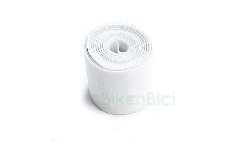 Fondo llanta COMAS 26 PULGADAS DELANTERO - Fondo de llanta de la marca Comas para ruedas de Biketrial y Trial de 26 pulgadas. Para ruedas delanteras de bicicletas de 26 pulgadas. Ancho de 30mm. Acabado en color blanco. Peso de 26 gramos.