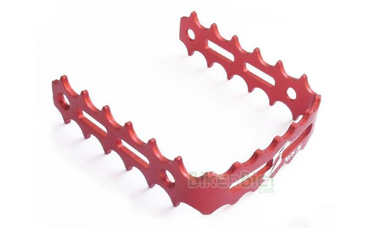 JAULAS PEDAL JITSIE ALUMINIO ROJAS - Jaulas pedal Jitsie para pedales de herradura de la misma marca. Fabricada en aluminio 7075-T6 y anodizada en color rojo. Compatible con pedales de herradura de la marca Clean, Breath y Try-All. 3mm de ancho en toda la jaula. 70 gramos de peso (pareja).