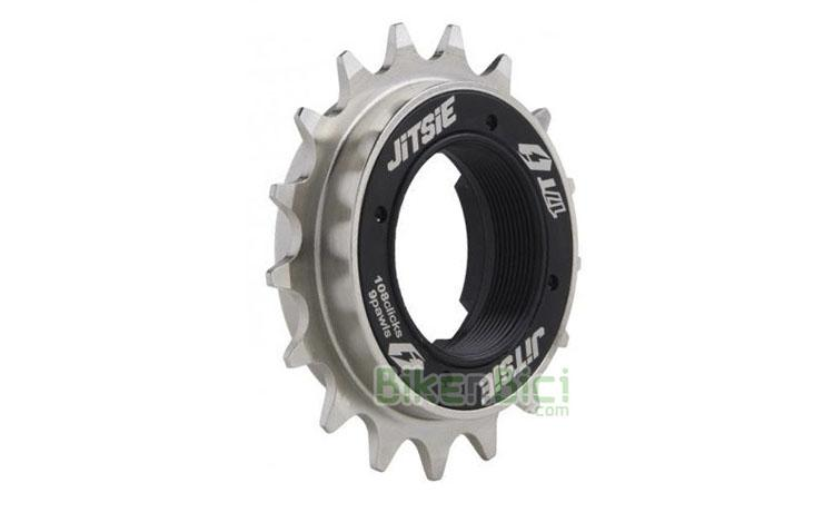 PIÑÓN JITSIE 108.9 9 GATILLOS - Piñón de la marca belga Jitsie especialmente diseñado para bicicletas de Biketrial, Trial y BMX. Piñón de alta calidad que soporta los esfuerzos más exigentes. Fabricado en Chrome-Moly y con 108 puntos internos de anclaje y 9 gatillos, para que nunca te quedes sin agarre. Disponible en 16T, 17T y 18T. Acabado negro y plata con logotipos Jitsie. 174 gramos.