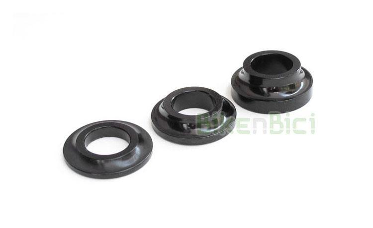 Bujes Trial ESPACIADOR BUJE MONTY 3-5-8mm Biketrial negro - Arandelas espaciadoras de la marca Monty, mecanizadas en CNC y fabricadas en Aluminio 7075-T6 de alta calidad. Van colocadas entre el rodamiento del buje y la puntera del chasis. Disponibles en medidas 3mm, 5mm y 8mm, todas ellas con un diámetro interno de 10mm y externo de 20mm. Peso (consultar ficha de producto).