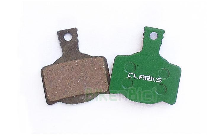 Frenos Trial PASTILLAS CLARKS MAGURA MT2 ORGÁNICAS Biketrial - Pareja de pastillas de freno Clarks para los modelos Magura MT2, MT4, MT6 y MT8. Fabricadas en material orgánico, que asegura una adaptación y frenada rápida. Base del ferodo en color verde. 20 gramos de peso (pareja).