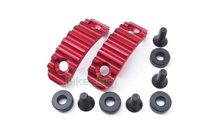 Protectores Trial CLEAN LIGHT Biketrial aluminio - Nuevo protector de la marca Clean para su chasis X1. Diseño totalmente minimalista para ahorrar el máximo de peso. Incluye tornillería y gomas espaciadoras. Fabricado en aluminio y anodizado en color rojo. Compatible con los modelos Ozonys Curve V4/V5/V6 y Roxxor. Su peso es de 23 gramos (+ 18 gramos de tornillos y arandelas).